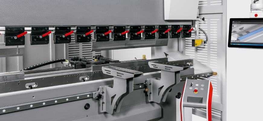 Stroj za savijanje lima